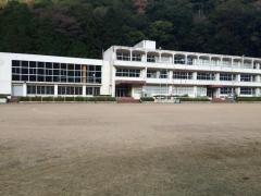 長谷小学校