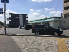 ファミリーマート浦和美園駅前店