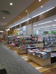 くまざわ書店柳津店