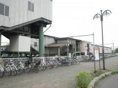 百合が原駅