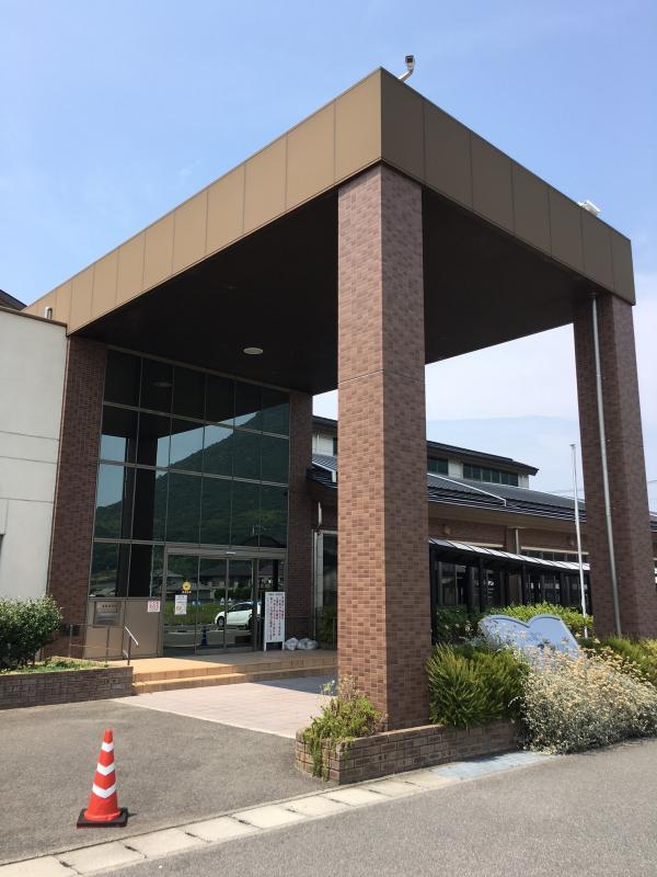 丸亀市立飯山図書館