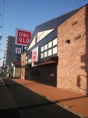 ユニクロ中村本陣店