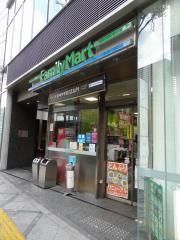 ファミリーマート曽根崎二丁目店