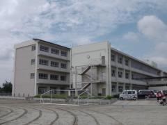 西尾中学校
