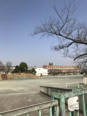 鳴海小学校