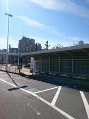 「ポートタウン東駅前」バス停留所