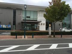 「新みなとターミナル前」バス停留所