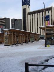 「秋田駅前」バス停留所