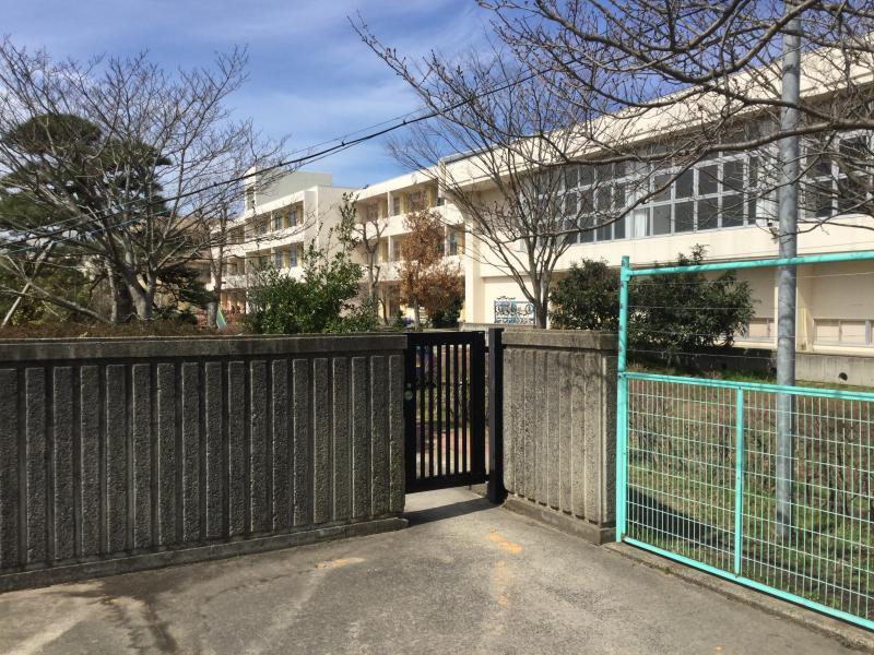 鳥取大学附属中学校(鳥取市湖山...