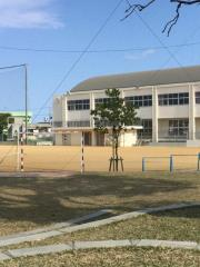 美里小学校