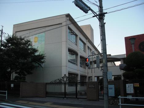 新栄小学校(名古屋市中区)の投...