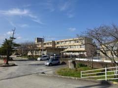 鏡山小学校