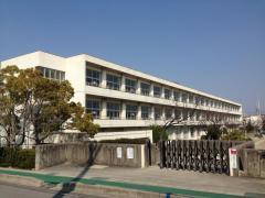 日高小学校