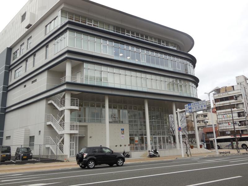下関市立中央図書館