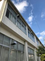 西春中学校