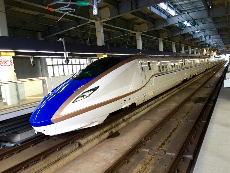 北陸新幹線。