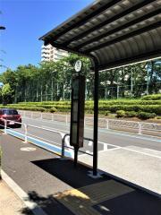 「明晴学園前」バス停留所