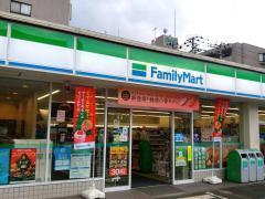 ファミリーマート 泉中央駅前店