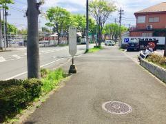 「下岡津」バス停留所