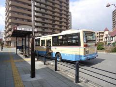「加島駅前」バス停留所