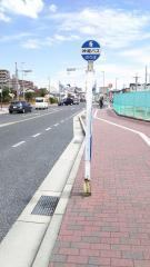「林小学校前」バス停留所