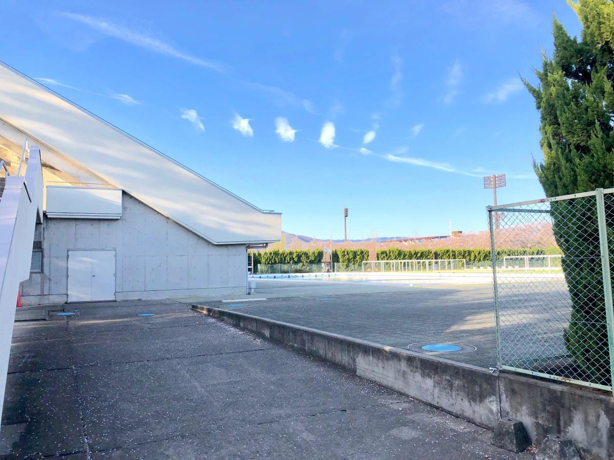 小瀬スポーツ公園水泳場