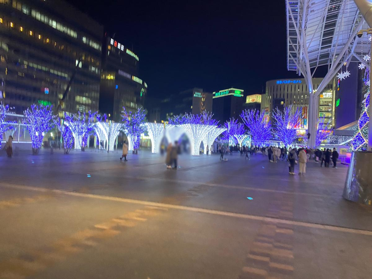 JR博多シティ前の広場