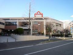 横浜市中図書館