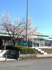 ファミリーマート 千代田PA上り店