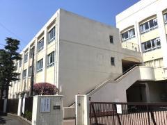 西高津中学校