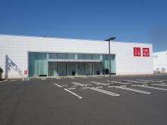 ユニクロ 平塚田村店