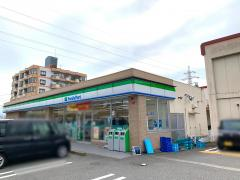 ファミリーマート 富山中央市場店