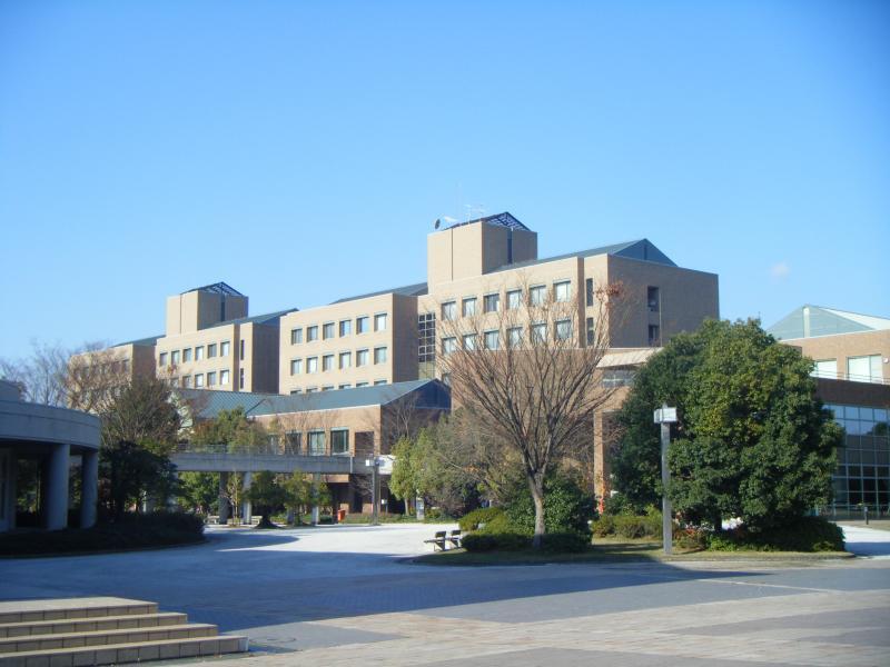 大学 はっとり ん 岡山 県立