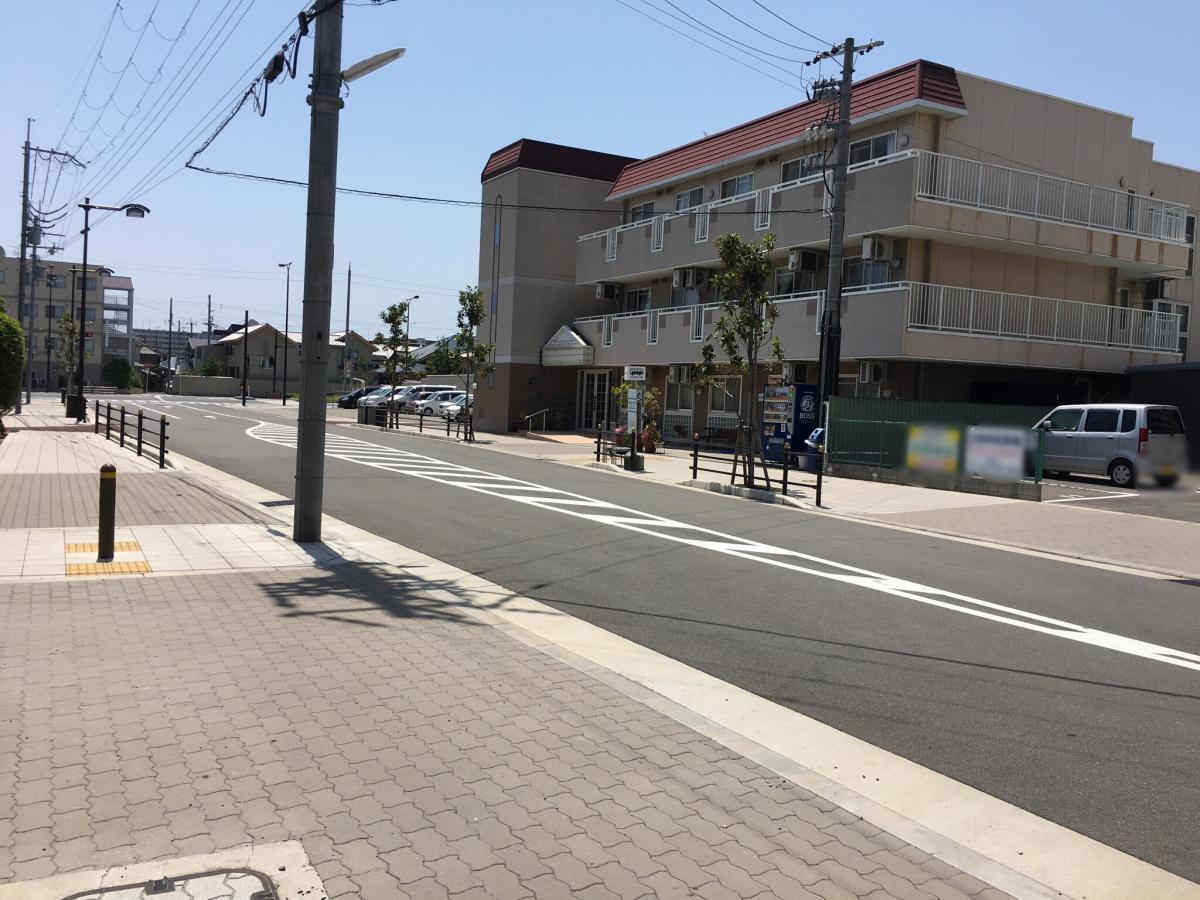 長吉六反の、バス停です。