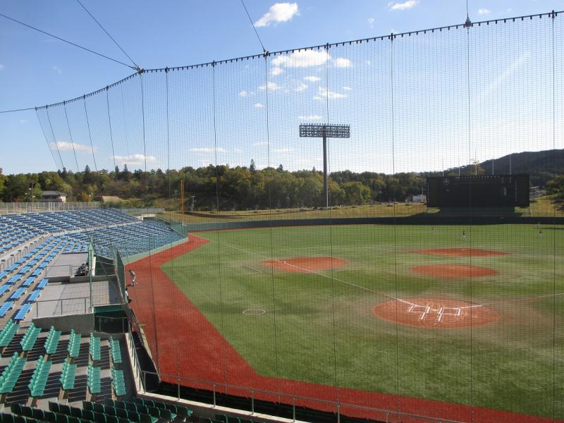 みよし運動公園野球場のグランドです。