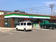 ファミリーマート かほく高松中央店