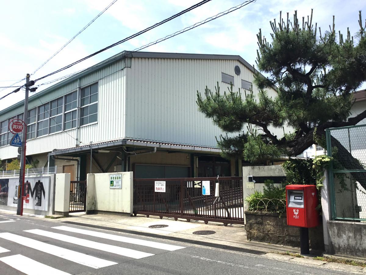 堺市立鳳小学校です。