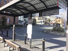 「信貴山下駅」バス停留所