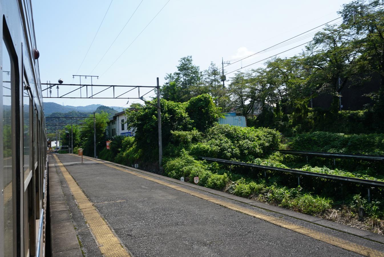 ユキサキナビ】西武バス「三沢郵便局」バス停留所(秩父郡皆野町三沢)