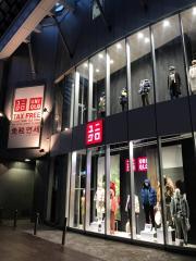 ユニクロ 神戸三宮店