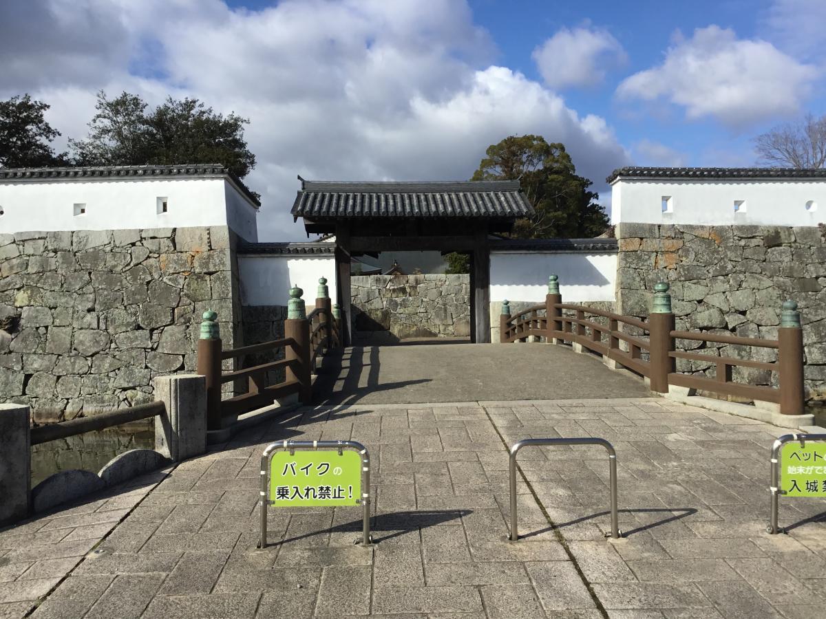 赤穂城正面の写真です。