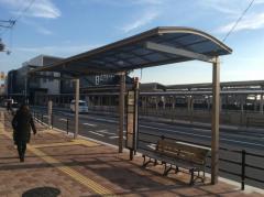 「JR八尾駅前」バス停留所