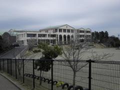 稲荷第一小学校
