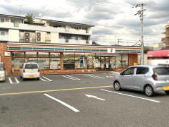 セブンイレブン 東大阪小阪本町2丁目店
