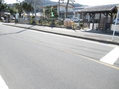 「学校前」バス停留所
