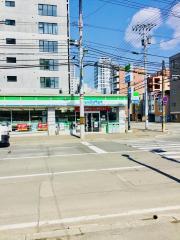 ファミリーマート 札幌南5条東店