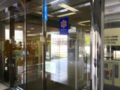 春日市民図書館